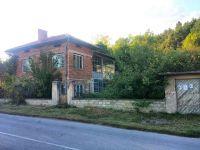 Двуетажна тухлена къща 136 кв.м., Копривец